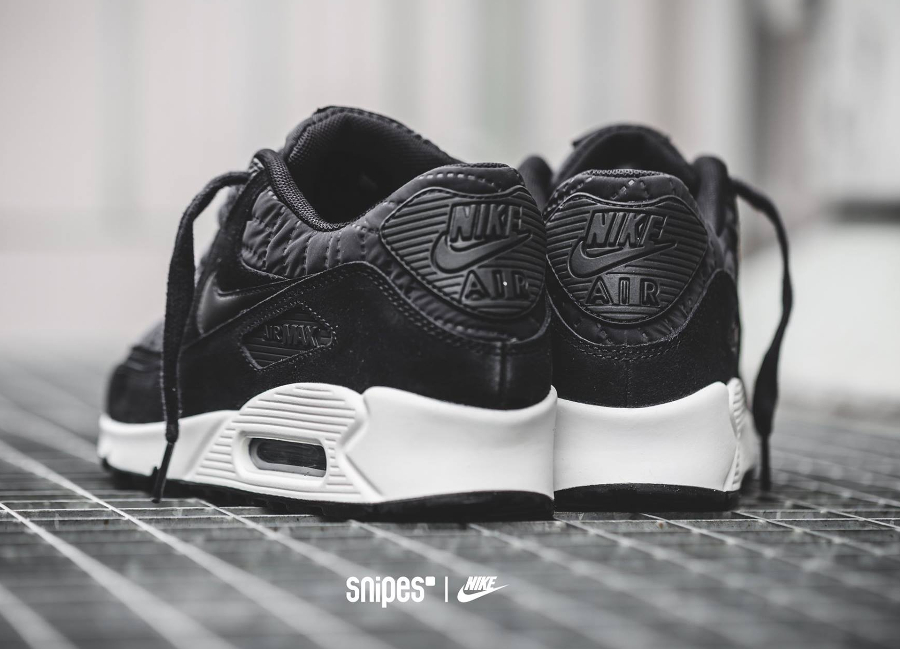 Où trouver la Nike Wmns Air Max 90 'Black Quilted Nylon' ?