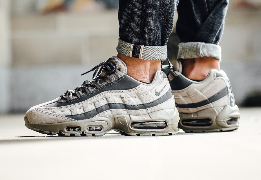 chaussure-nike-air-max-95-light-taupe-1