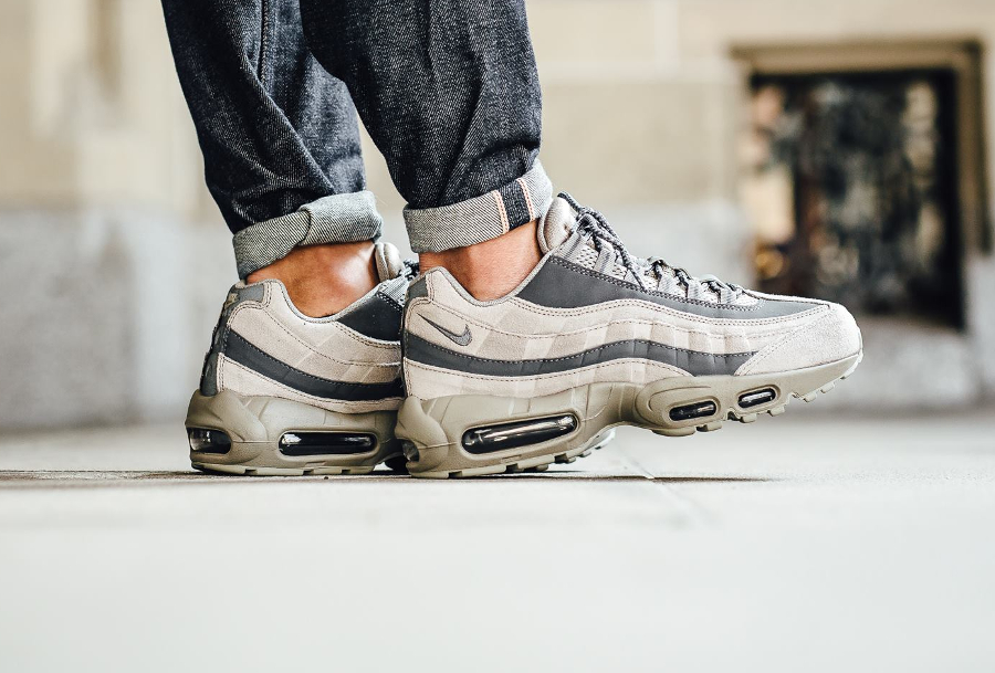 chaussure-nike-air-max-95-light-taupe-3