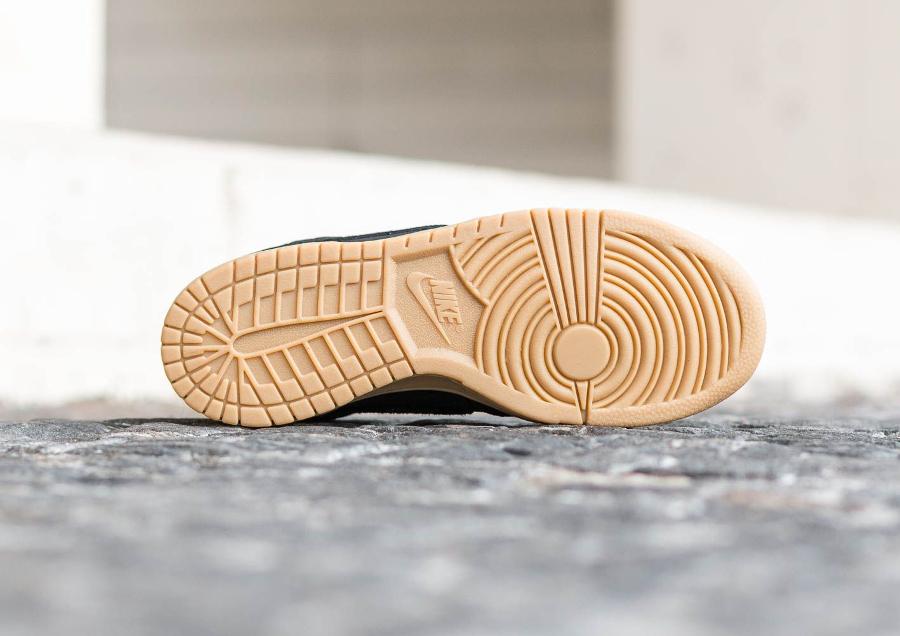 chaussure-nike-big-lux-low-black-snake-gum-serpent-et-python-3