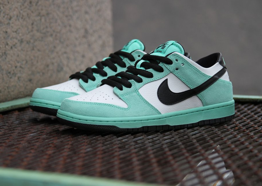 Nike Dunk Low SB IW 'Sea Crystal'