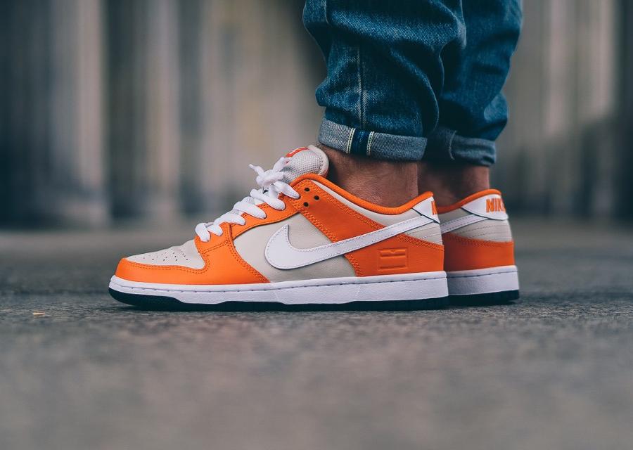 chaussure-nike-dunk-low-sb-premium-safety-orange-cream-2