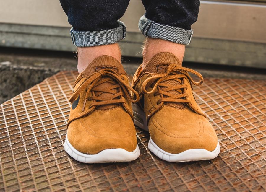 chaussure-nike-sb-janoski-max-l-daim-marron-2