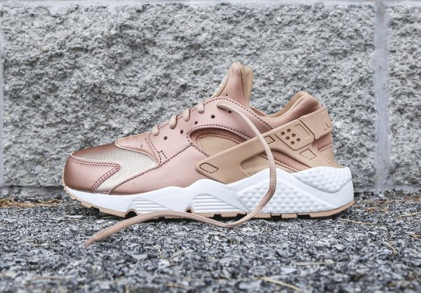 8d0db18349ee Nike Wmns Air Huarache SE  Metallic Red Bronze    où la trouver