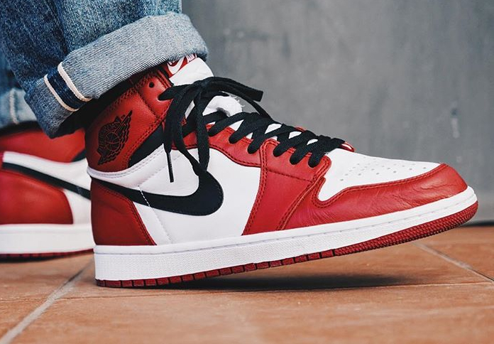 air-jordan-1-high-retro-chicago-crack_kids