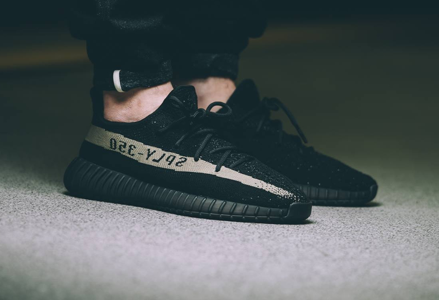basket-kanye-west-x-adidas-yeezy-350-boost-v2-core-black-green-1