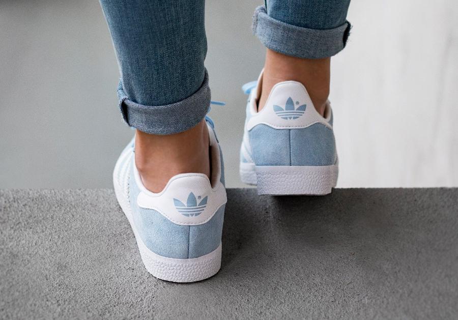 chaussure-adidas-gazelle-suede-w-clear-sky-femme-3
