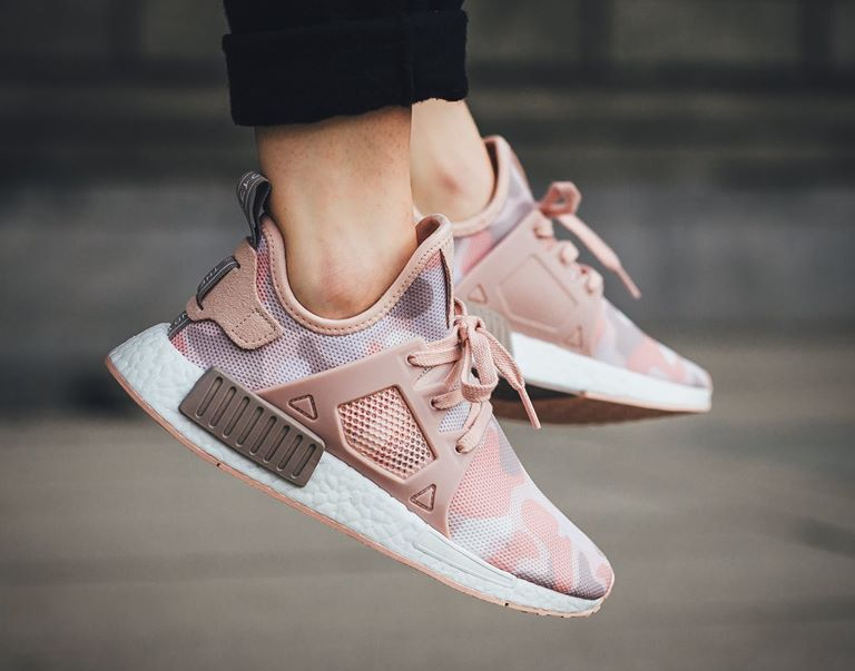 chaussure-adidas-nmd-xr1-w-imprime-camouflage-rose-2