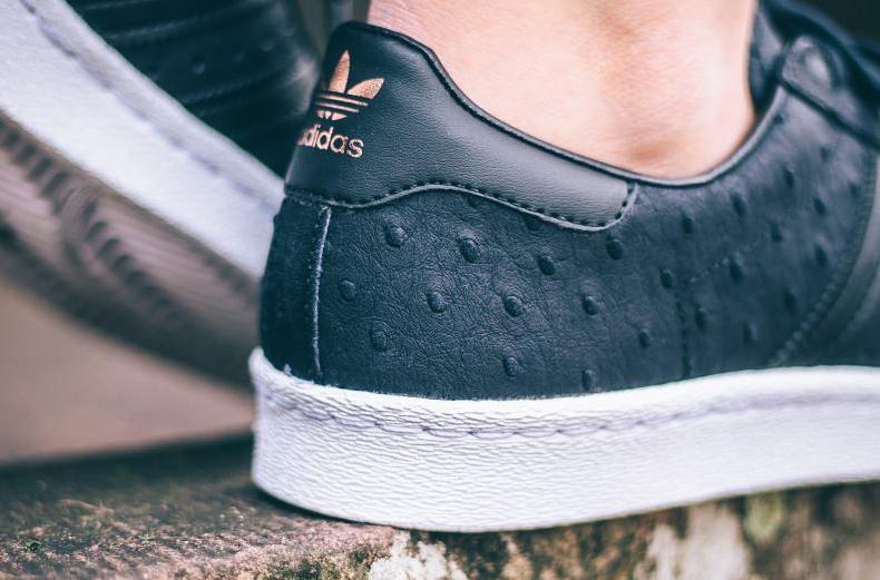 chaussure-adidas-superstar-w-80s-metallic-toe-cuir-peau-dautruche-pour-femme-3