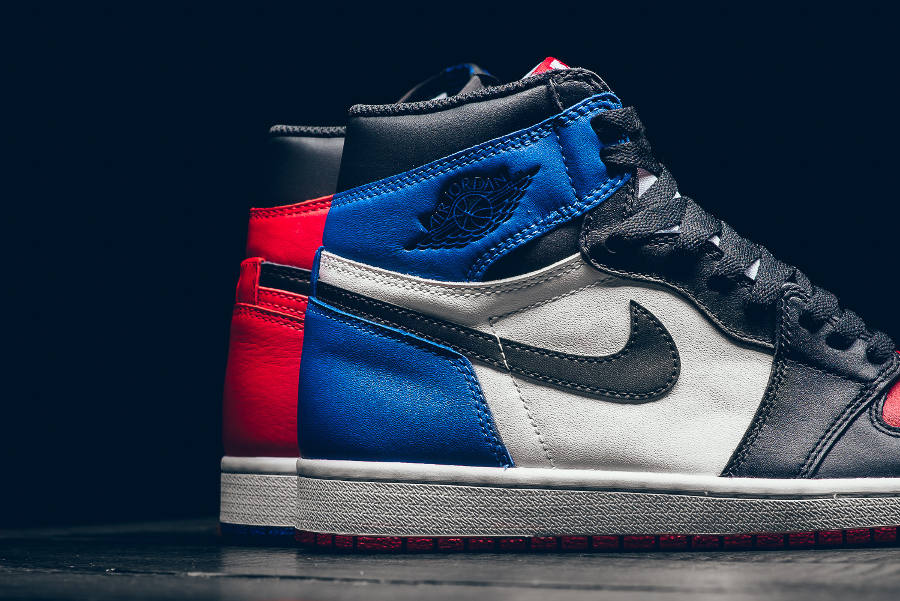 chaussure-air-jordan-1-retro-high-og-chicago-banned-royal-blue-5