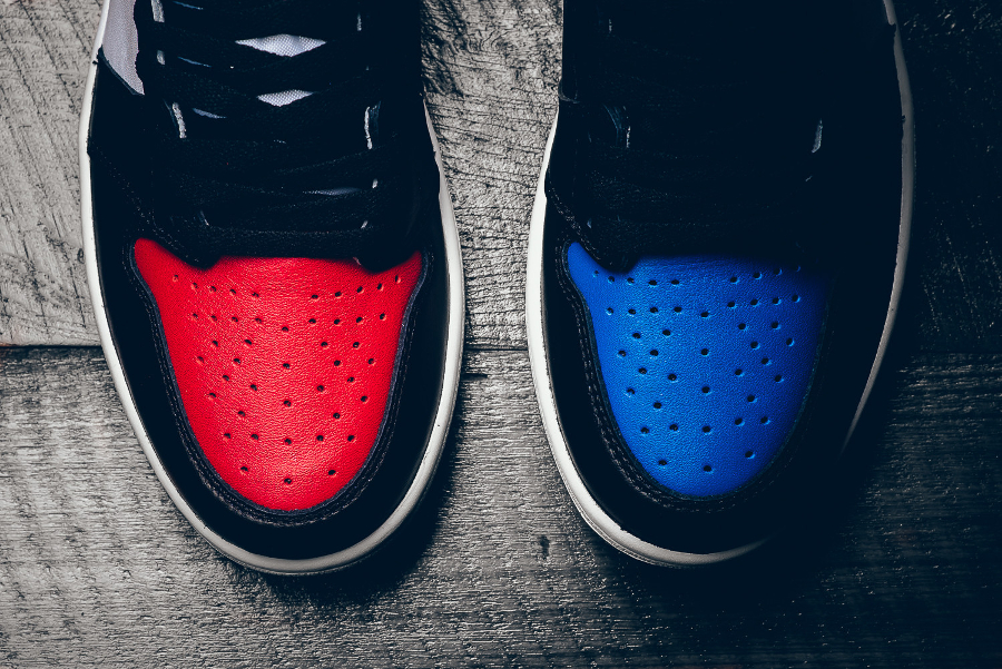 chaussure-air-jordan-1-retro-high-og-chicago-banned-royal-blue-7