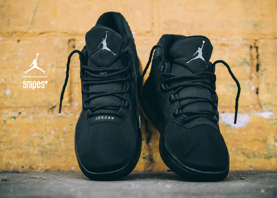 air jordan academy noir