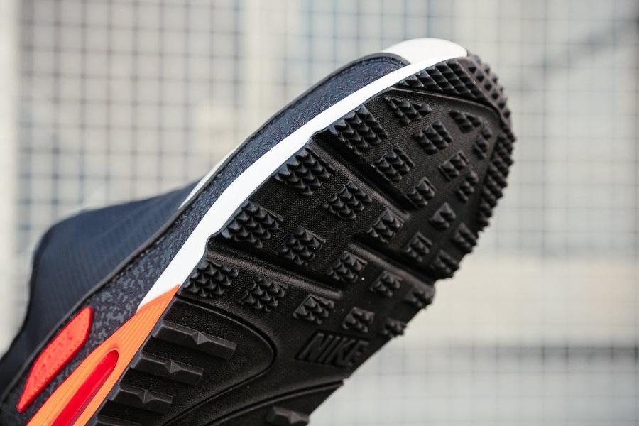 chaussure-nike-air-max-90-utility-zip-og-black-infrared-fermeture-eclair-3