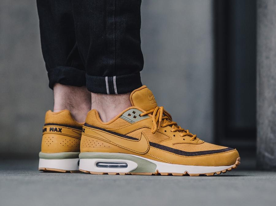 Nike Classic Air Max BW PRM 'Wheat' Bronze | Sneakers actus