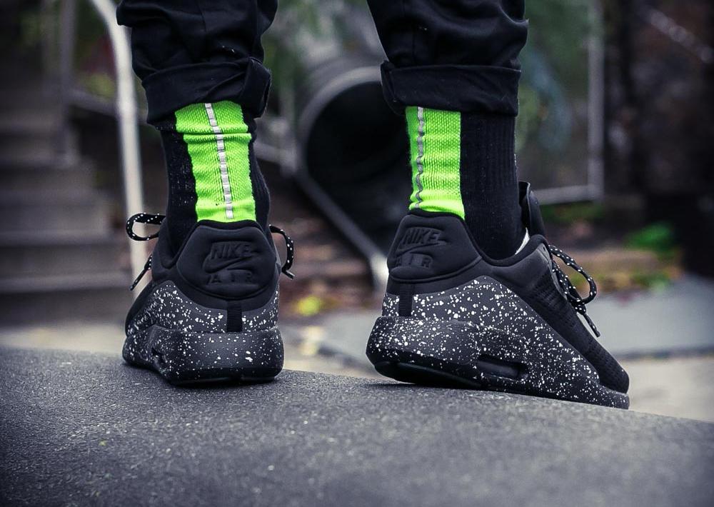 chaussure-nike-air-max-modern-special-edition-noire-semelle-mouchetee-2