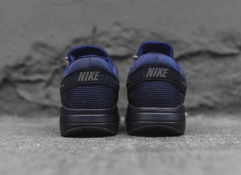 chaussure-nike-air-max-zero-qs-tonal-binary-blue-3