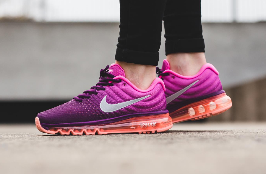 chaussure-nike-wmns-air-max-2017-bright-grape-femme