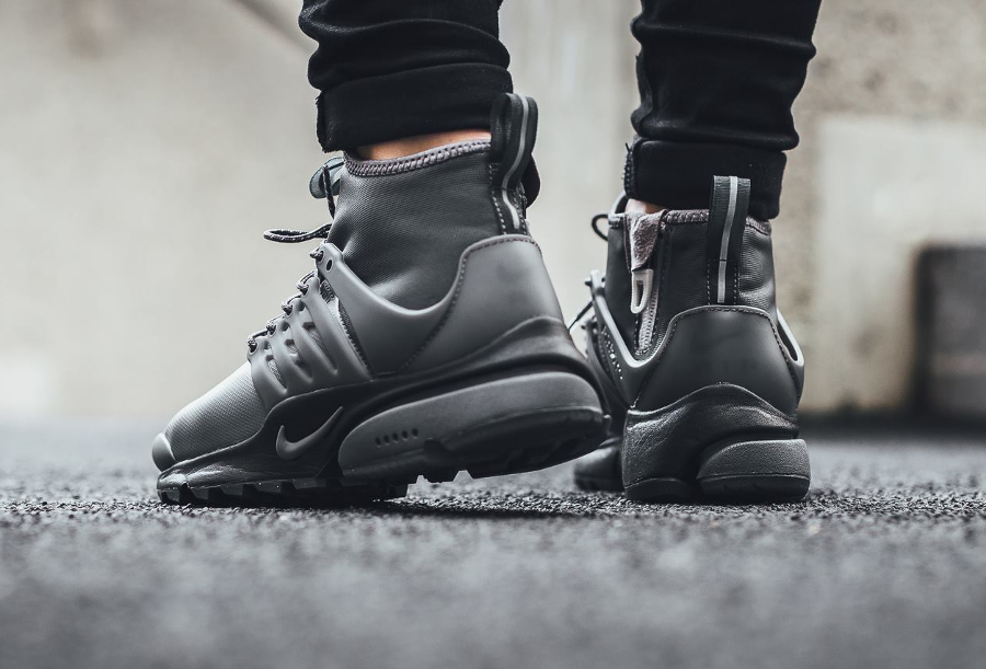 chaussure-nike-wmns-air-presto-utility-mid-top-dark-grey-femme-2