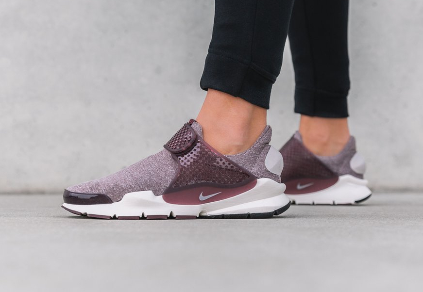 Nike Sock Dart SE Premium 'Night Maroon'