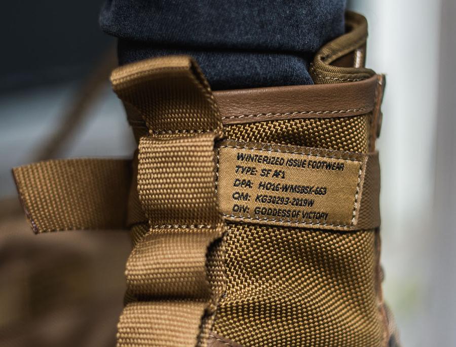 chaussure-nike-wmns-special-field-air-force-1-premium-sf-af1-cuir-marron-pour-femme-3