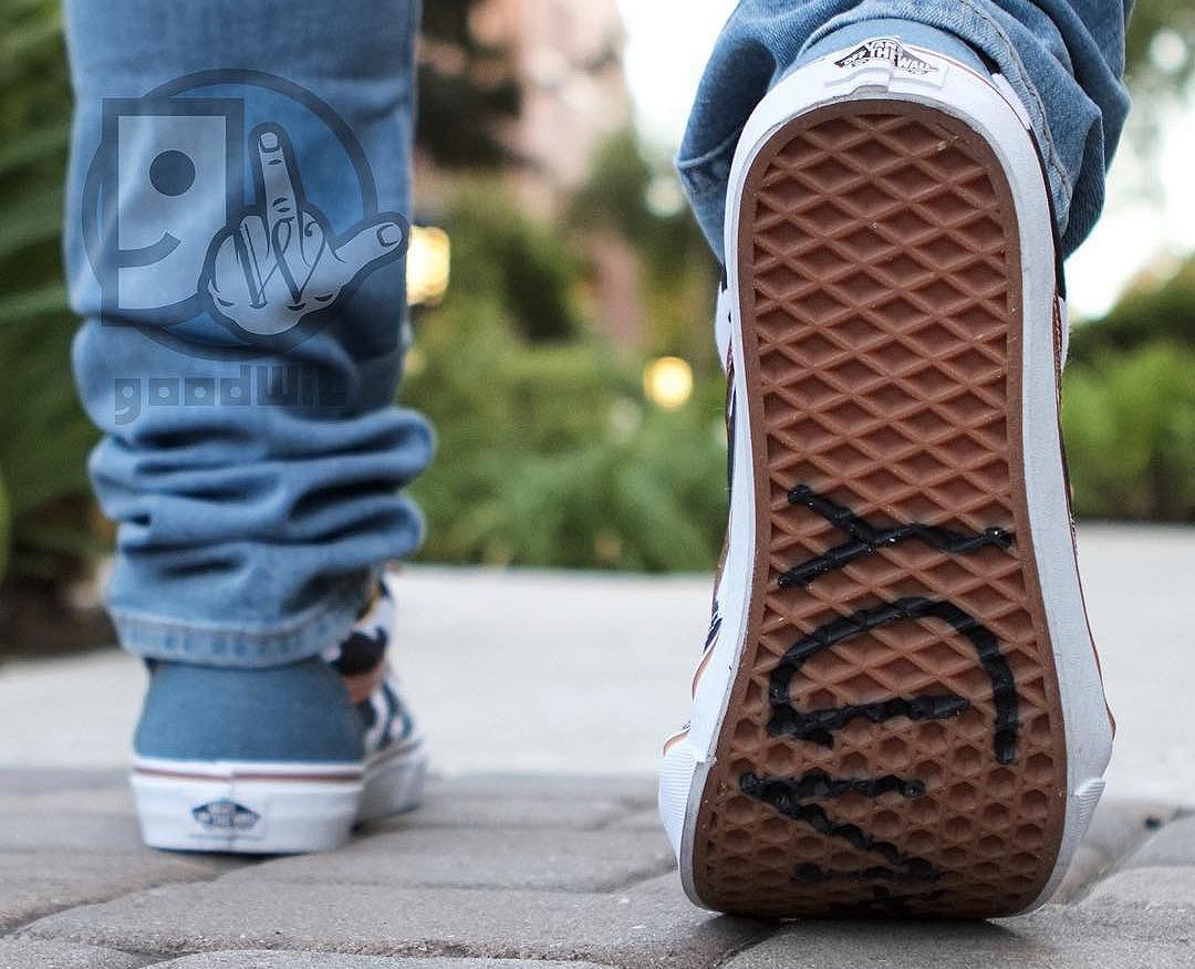 chaussuretoy-story-x-vans-old-skool-imprime-peau-de-vache-2