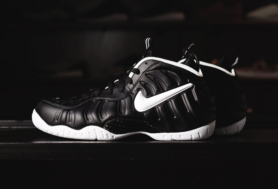 nike-air-foamposite-pro-dr-doom