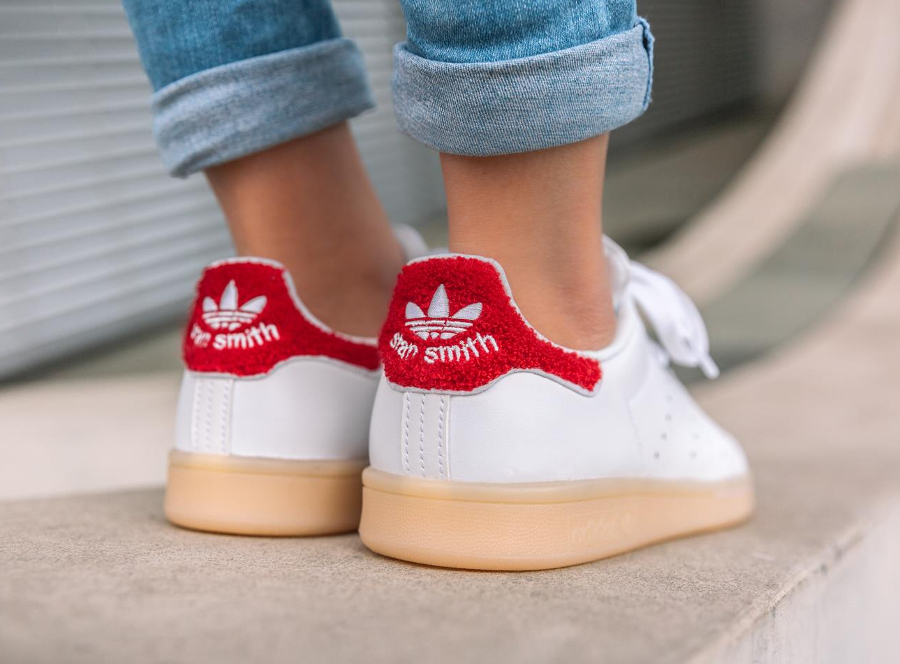avis-basket-adidas-stan-smith-w-chenille-white-colegiate-red-femme-1