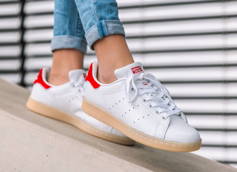 avis-basket-adidas-stan-smith-w-chenille-white-colegiate-red-femme-2