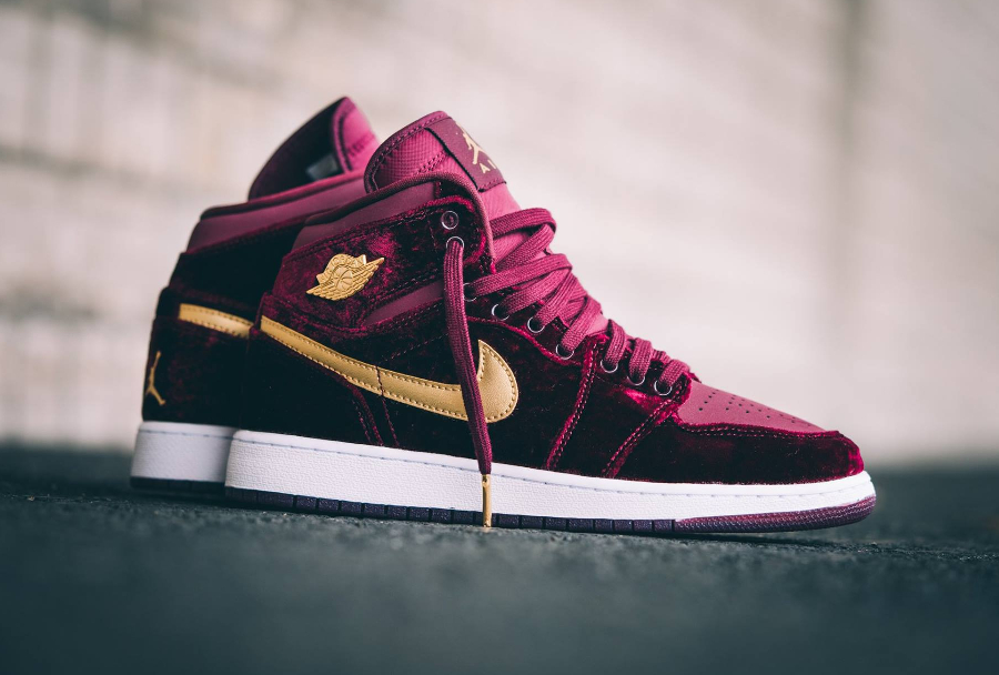 avis-basket-air-jordan-1-retro-high-prm-gs-velvet-night-maroon-gold-femme-1