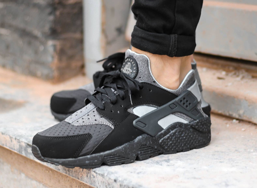 avis-basket-nike-air-huarache-run-se-special-edition-oreo-black-wolf-grey