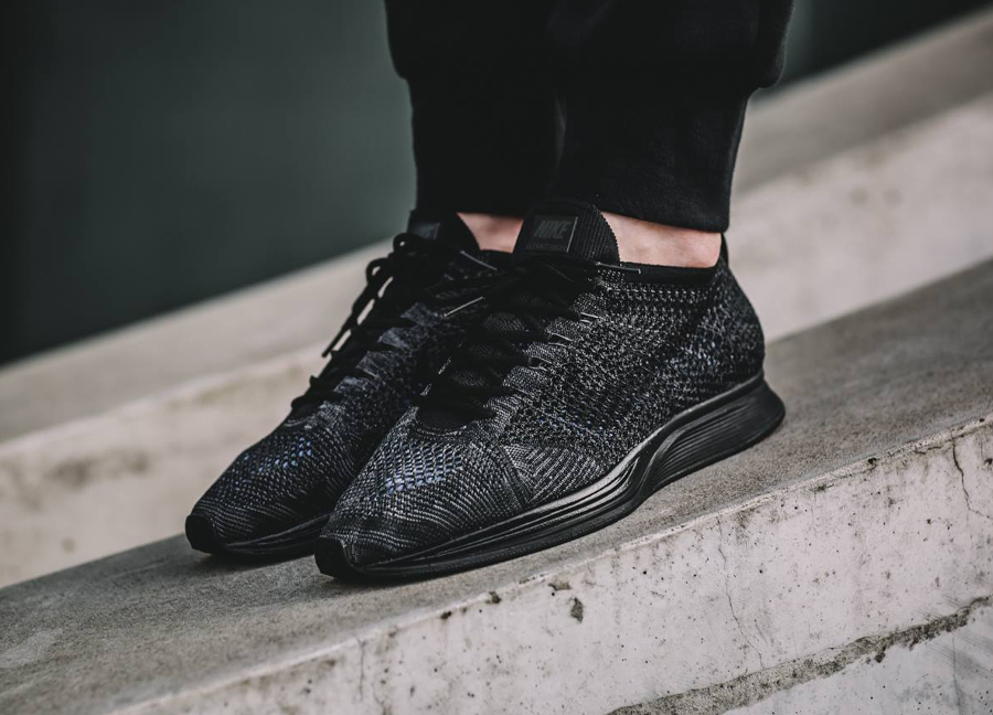 avis-basket-nike-flyknit-racer-triple-black-midnight-1