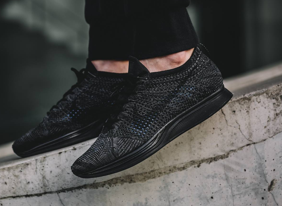 avis-basket-nike-flyknit-racer-triple-black-midnight-5