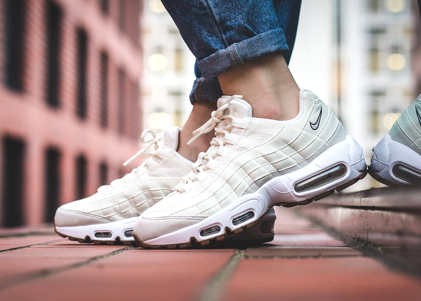avis-basket-nike-wmns-air-max-95-light-bone-gum