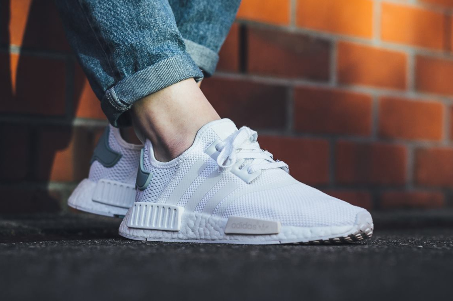 Baskets Low Femme adidas NMD R1 W chaussures gris olive