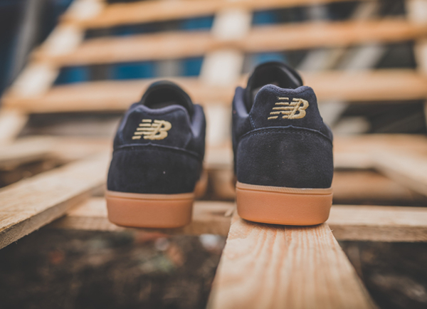 chaussure-new-balance-epic-tr-rn-football-daim-premium-noir-semelle-en-gomme-6