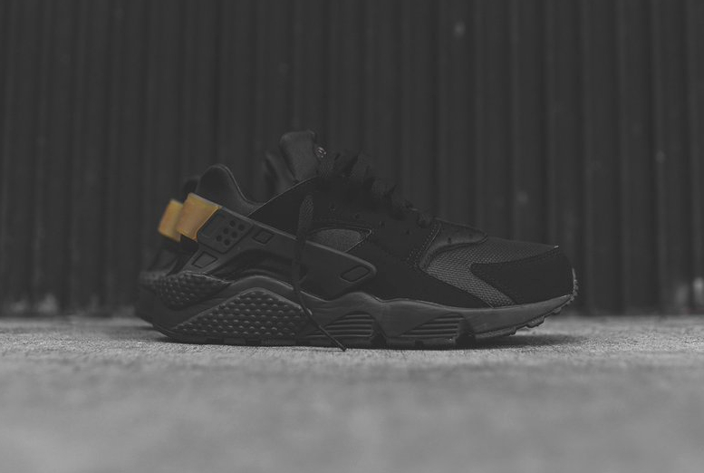 Nike Air Huarache 'Black Gold'