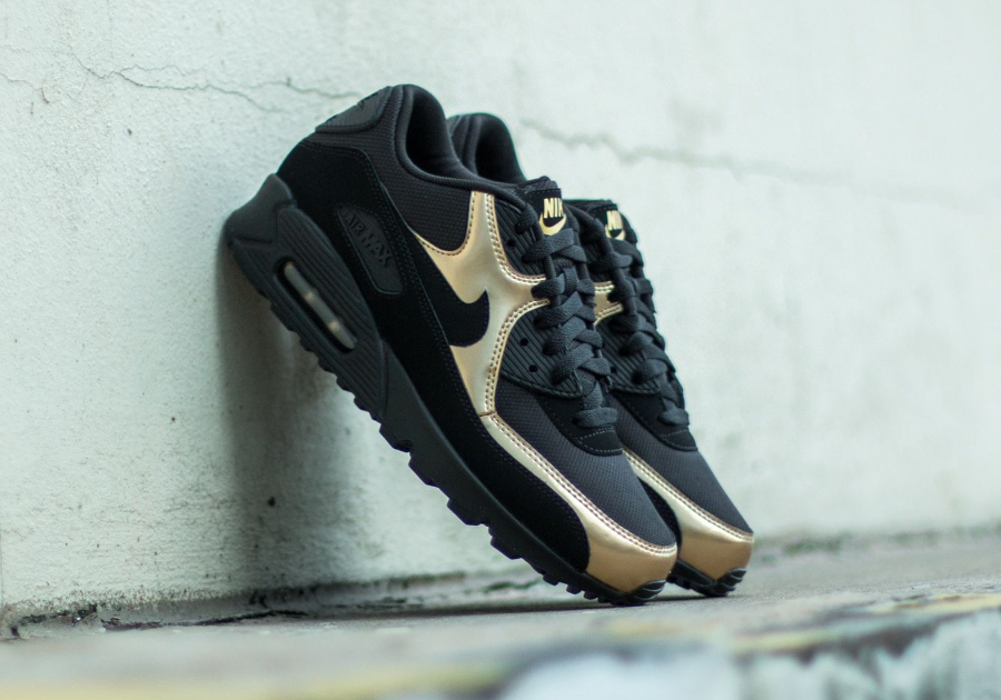 Nike Air Max 90 Essential 'Black Gold'