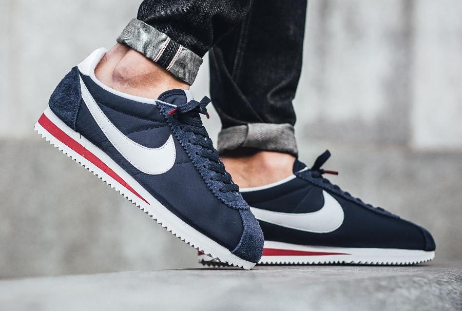 chaussure-nike-cortez-nylon-prm-midnight-navy-panneau-stop-1
