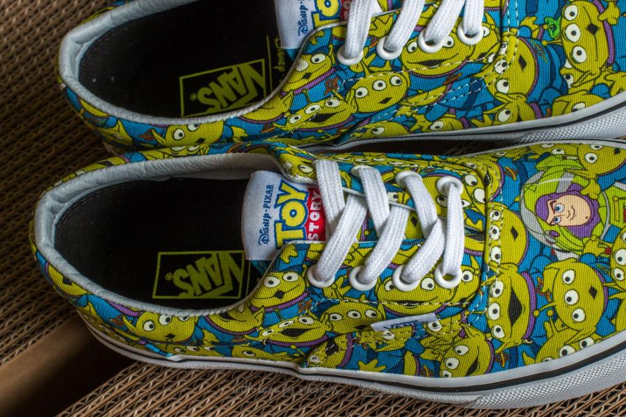 chaussure-toy-story-x-vans-era-aliens-bonhommes-verts-2