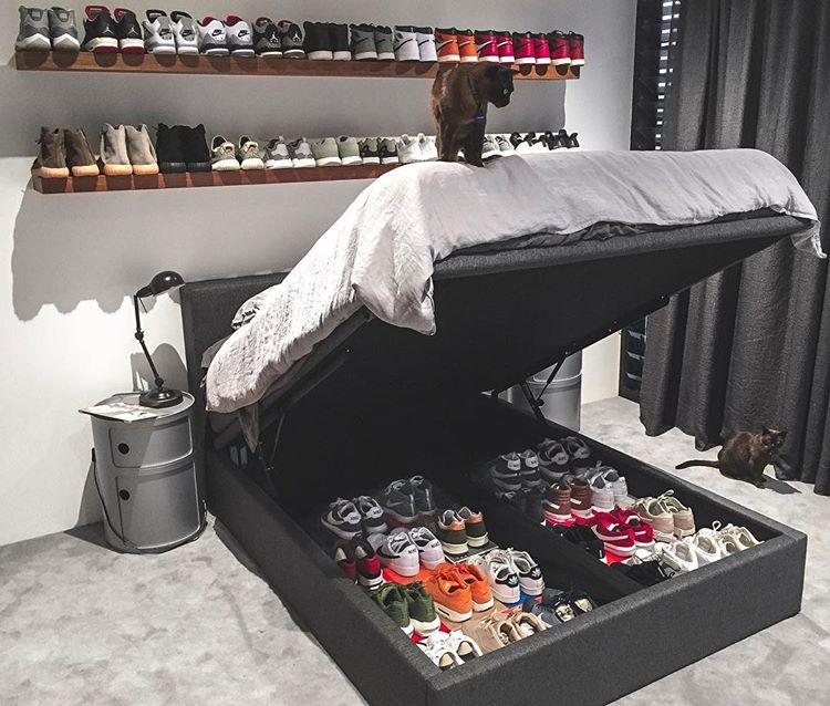 collection-de-sneakers-sous-le-lit-ethan_kostromin