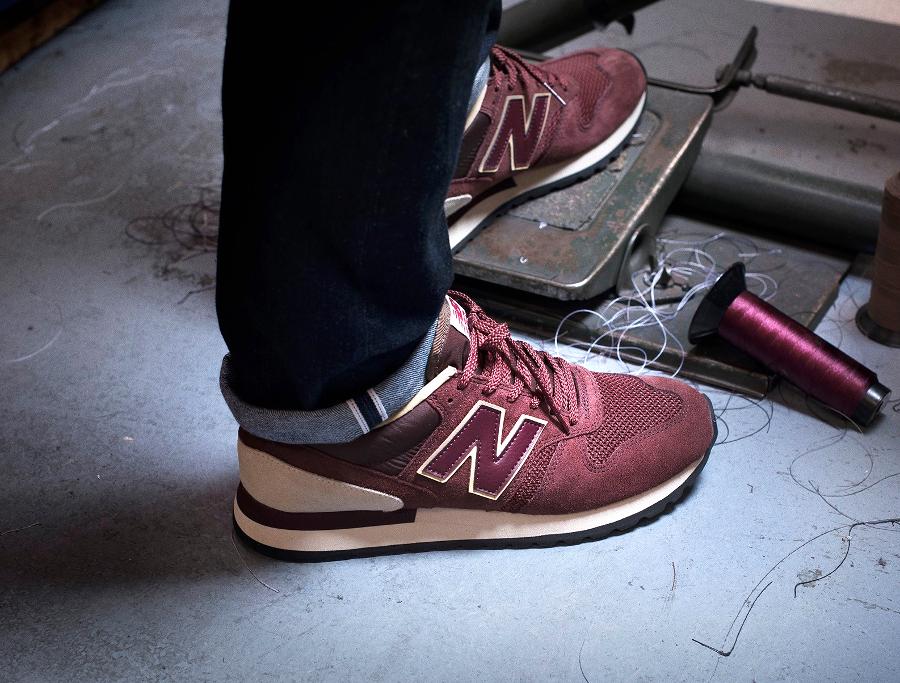 new-balance-m770rbb-burgundy-on-feet