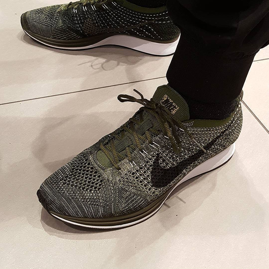avis basket Nike Flyknit Racer 'Earth Tones' Rough Green