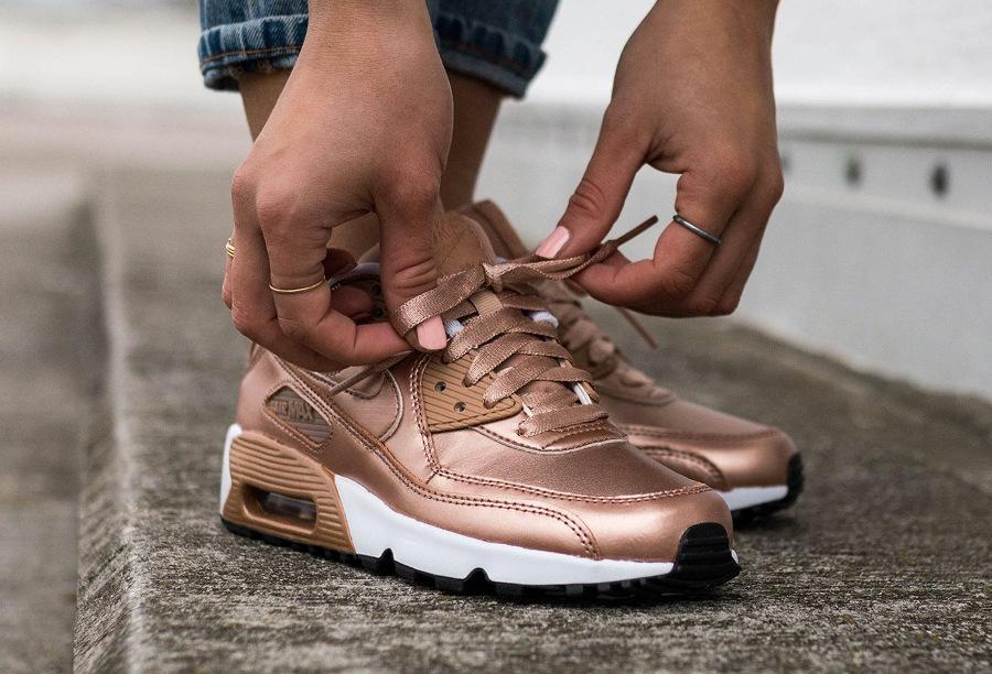 Nike Air Max 90 Leather SE Metallic Red Bronze 'Rose Gold