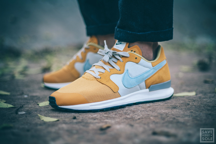 Nike Air Berwuda PRM 'Gold Leaf'