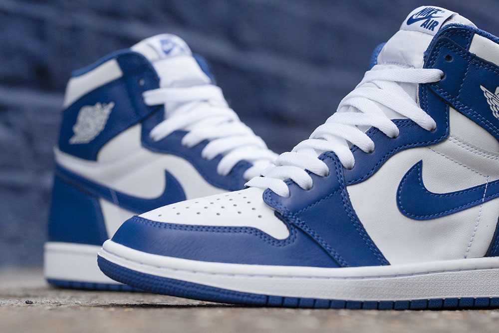 reedition-de-la-air-jordan-1-high-originale-storm-blue-de-1985-3