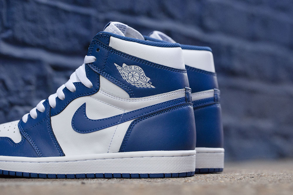 reedition-de-la-air-jordan-1-high-originale-storm-blue-de-1985-4