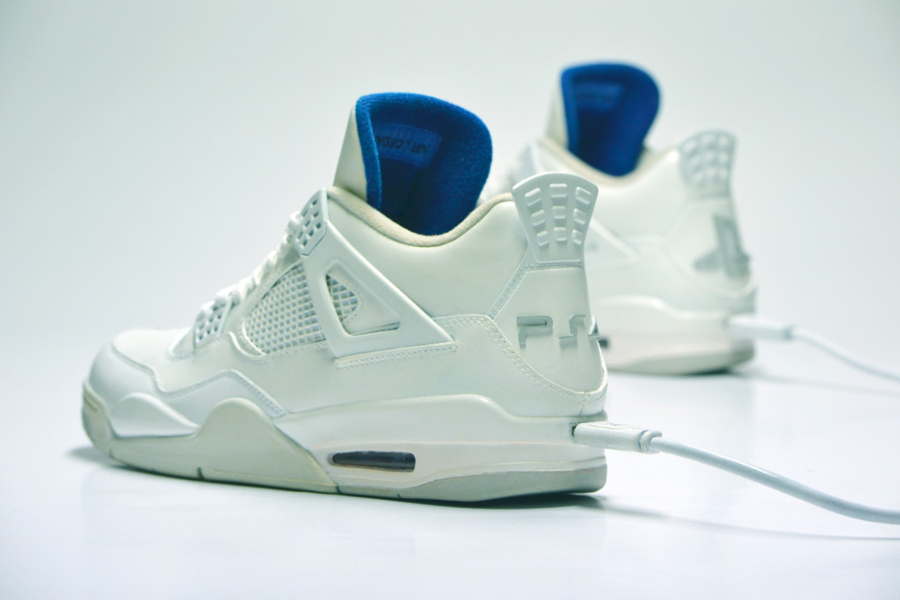 air-jordan-4-retro-playstation-4-1