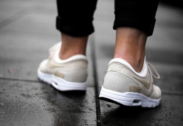 Basket Nike Wmns Air Max Zero 'Oatmeal' (2)