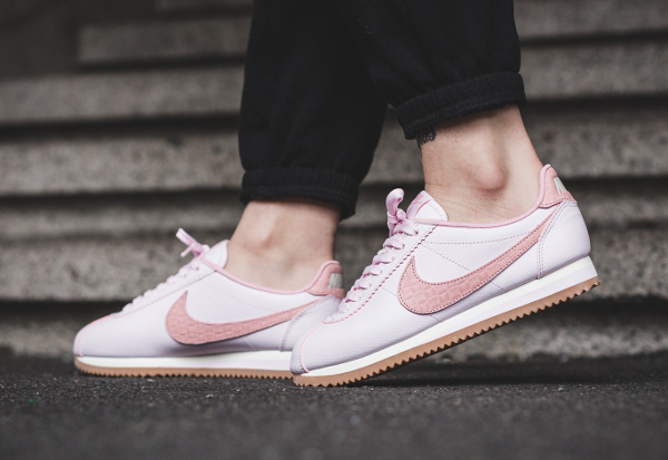 Basket Nike Wmns Cortez Leather Lux Pearl Pink (1)
