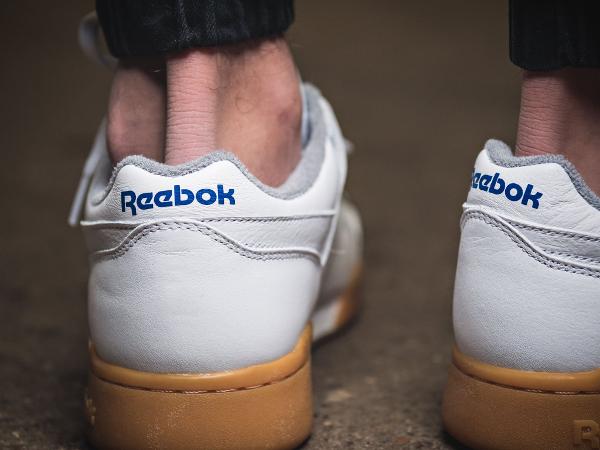 Basket Reebok Workout Plus R12 blanche semelle en gomme (2)